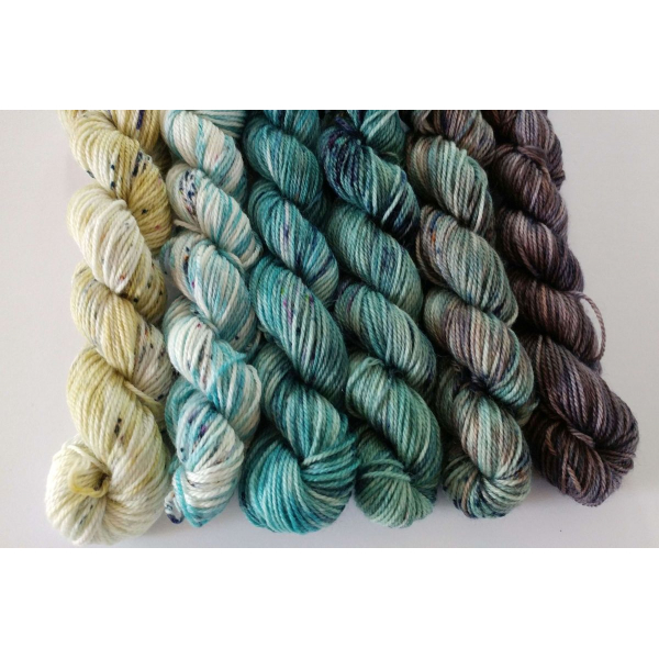 hand-dyed mini skeins fade yarn set - 6 x 25g merino