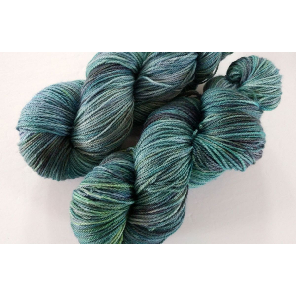 hand-dyed merino + nylon sock yarn KELP
