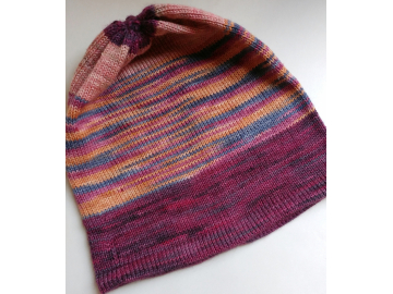 knitted hat : pink is not plain
