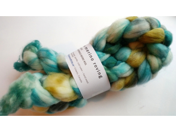 hand-dyed merino wool roving 4 oz. - BEACH