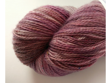 MCN lace - 4 oz / 115 g - 575 yds - ELDERBERRY