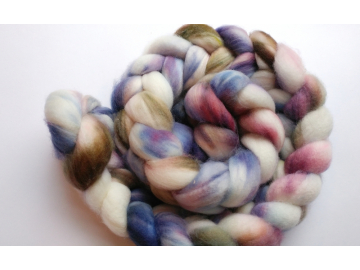 hand-dyed organic merino wool roving 4 oz. - COUNTESS