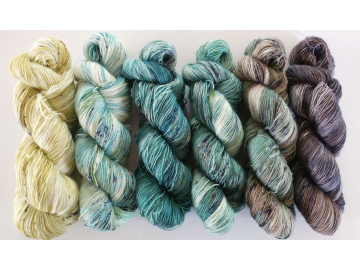 Fade set: 6 x 115g / 400+ yds each skein - FLURO