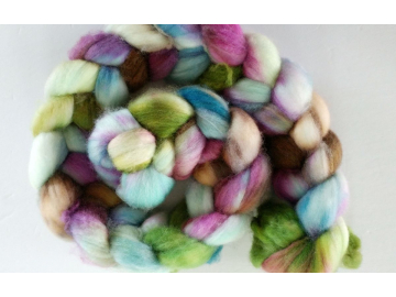 hand-dyed merino spinning roving 4 oz. - PRETTY