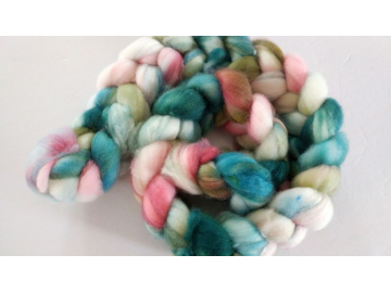 hand-dyed merino spinning roving 4 oz. - BLOSSOM