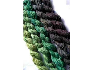 gradient yarn set - 125g (25g each skein) 455 yards total - hand-dyed merino fingering BERYL