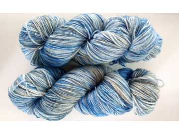 hand-dyed merino + nylon sock yarn BLUEJAY
