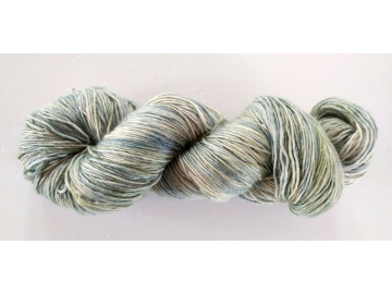 hand-dyed merino + cashmere + silk single yarn DOVE