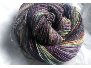 handspun BFL yarn 4.1oz / 243 yards